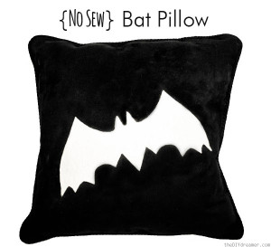 No-Sew-Bat-Pillow