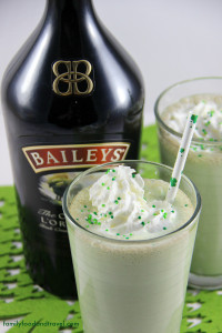 Mint-Chocolate-Chip-Baileys-Milkshake-3