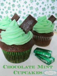Mint-Chocolate-Cupcakes-770x1024