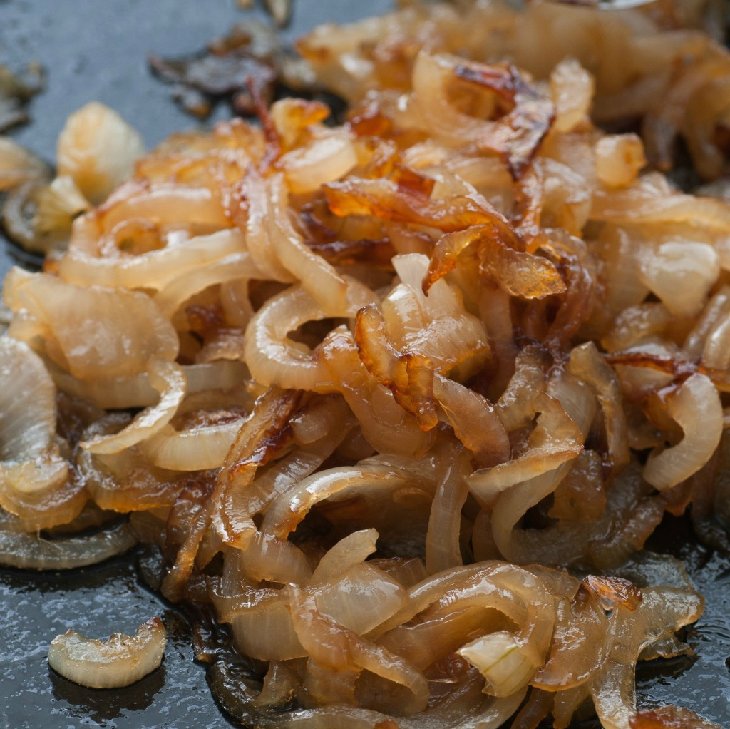Caramelized Onions- How to Caramelize Onions Perfectly