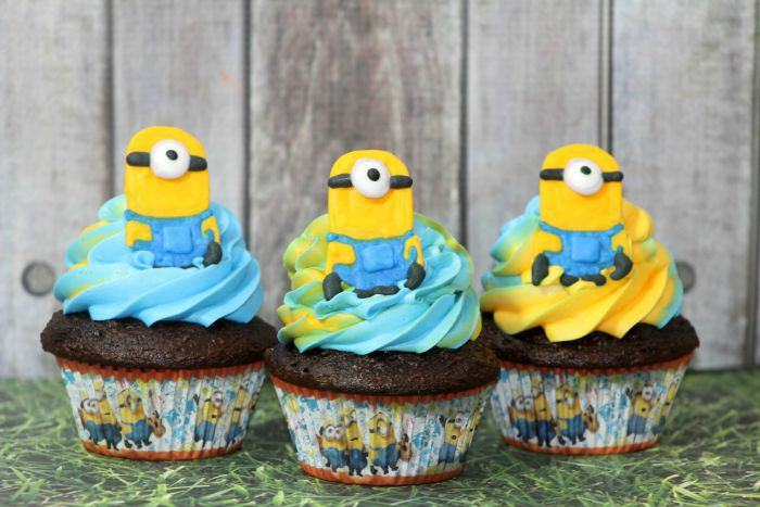Minion-Chocolate-Cupcakes-Facebook