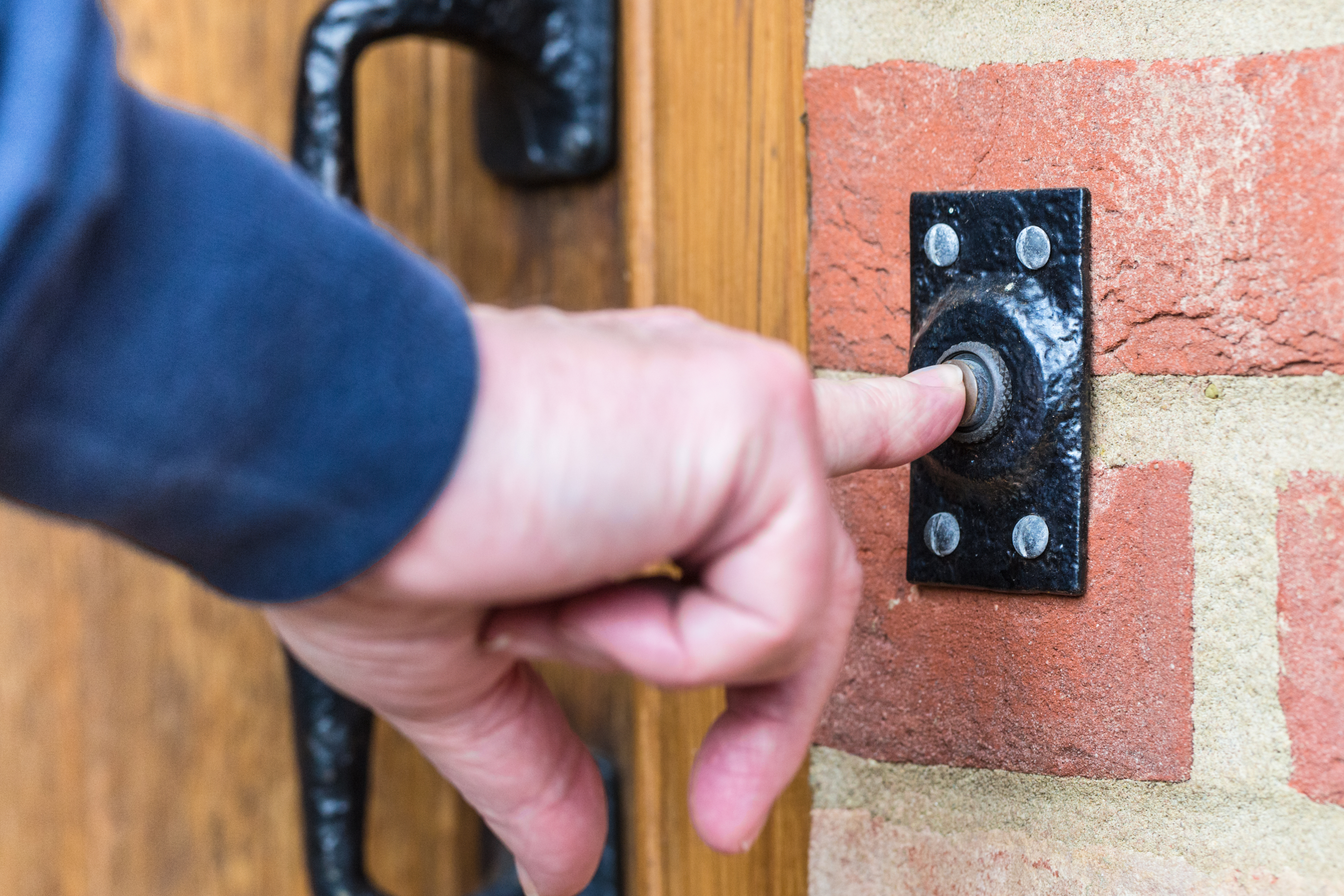 Doorbell etiquette